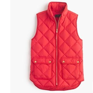 J. Crew Red Excursion quilted down vest size MD
